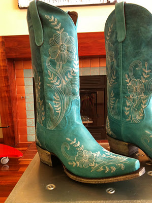 green cowboy boots – Knowledge Problem